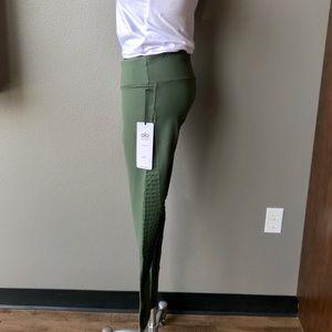 47d4f5b010580b ALO Yoga Pants | Nwt Luminous Legging In Hunter Green | Poshmark